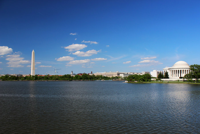 Washington DC, Washington Monument (links), Jefferson Memorial (rechts)